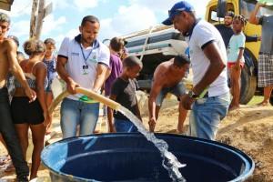 Cosama distribui água no Monte Horebe