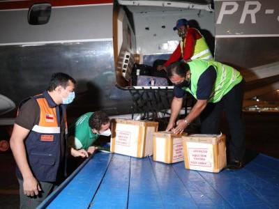 Wilson Lima leva novas doses de vacina contra a Covid-19 e ajuda humanitária para municípios afetados pela cheia